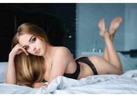 床上性感欧美美女