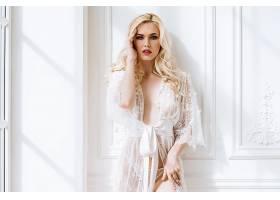 衣柜与性感美女