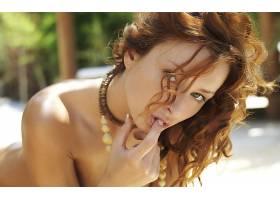 人,赭色,美女,裸露的肩膀,卷发,手指,红发,看着观众,,面对54676