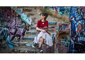 人,琳赛・斯特林,乐器,涂鸦,名人,小提琴,楼梯,美女59411