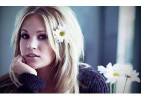 人,抽烟,头发中的花,美女,花卉,凯莉安德伍德,金发,长发,棕色的眼