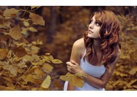 人,美女,树叶,红发,性质,罐顶,黑发,望着远处,户外的女人,卷发,长