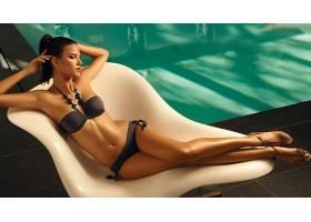 人,美女,比基尼泳装,游泳池,黑发,项链,椅子17428