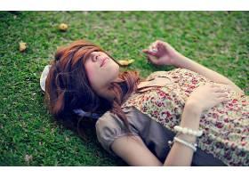 人,美女,头发在脸上,躺着,亚洲,户外的女人,覆盖面32133