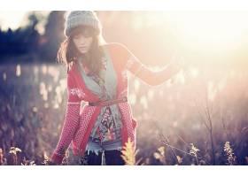人,简单的背景,美女,黑发,阳光,领域,户外的女人,帽子67860