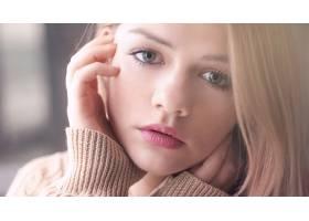人,特写,金发,眼睛,美女,蓝眼睛,看着观众,面对,手在脸上,肖像,模