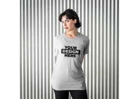 中年女子T恤白色服饰LOGO展示样机