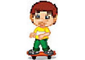 玩滑板车的小男孩
