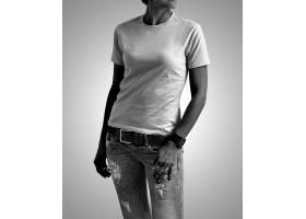 黑白时尚女青年上衣T恤服装展示样机