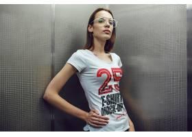 时尚男女模特T恤穿着效果展示样机