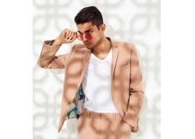时尚潮流男子