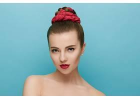 丸子头女性皮肤管理