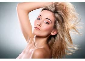 金发美白护肤皮肤管理女性