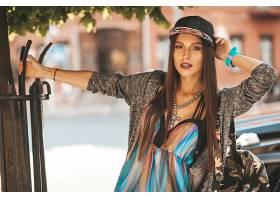 街拍时尚潮流女性