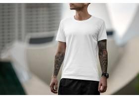 圆领男士白色T恤