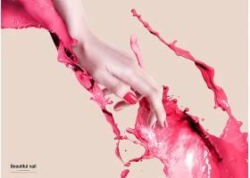 涂着红色指甲油的手