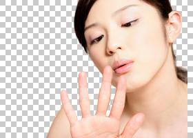 女性观察指甲