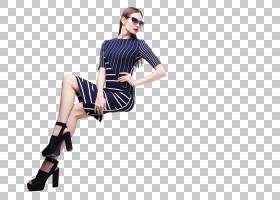 时尚潮流条纹服饰的女性