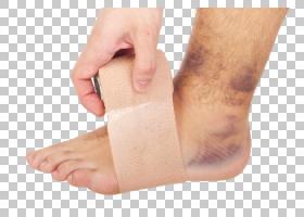 包裹受伤的足部