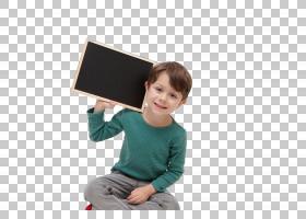 肩上扛着黑板的男孩