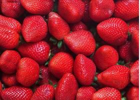 鲜红的草莓