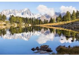 唯美原生态森林湖泊