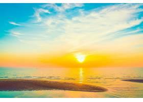 唯美阳光落日海滩