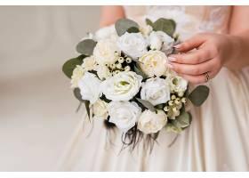 新娘手里的花束