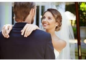 西式漂亮的婚纱新娘