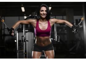 性感翘臀年轻健身女性