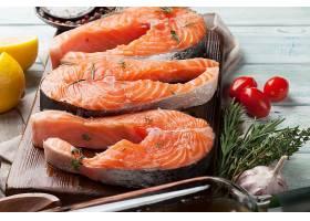 新鲜美味的鱼肉块