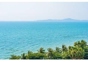 热带岛屿海面