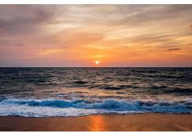 海浪与落日