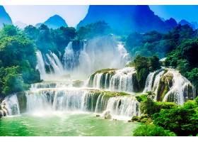 唯美自然生态瀑布