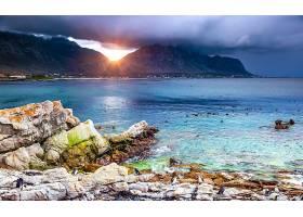 唯美礁石海岸与落日