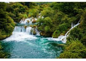 唯美原生态瀑布