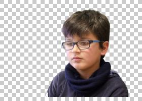 戴眼镜思考的外国小男孩