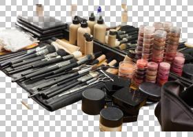 一堆化妆品和彩妆工具
