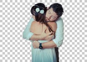 幸福相拥的外国新婚夫妻