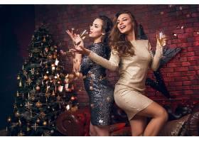 女孩,穿衣,圣诞节,树,口红,黑发女人,微笑,长的,头发,香槟酒,壁纸