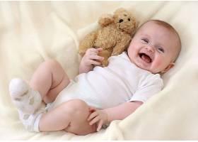 开心大笑的婴儿宝宝