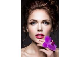 蝴蝶兰紫色气质欧美女性
