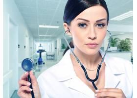 医生与听诊器
