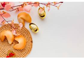 新年幸运饼干和鲜花俯瞰_1114399101