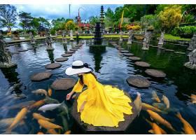 在印度尼西亚巴厘岛的提尔塔冈加水宫一名_1130648401