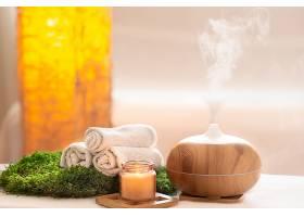 水疗组合物带有现代身体护理产品的油扩散_1010741301