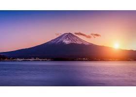 日落时的富士山和川口湖日本山口的秋季富_1082460601