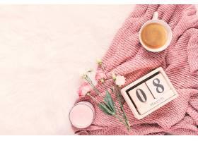 三月八日刻有玫瑰花和咖啡的铭文_387474501
