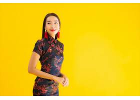 美丽的亚洲年轻女子肖像穿着中国服装面_845846301