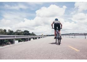 骑自行车的人_397278501